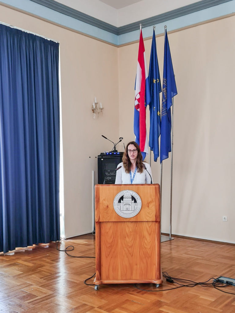 Dr Esther Navarro presenting the 360ViSi project in Croatia.